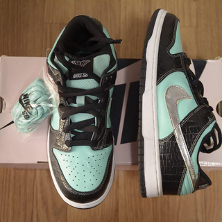 ナイキ(NIKE)のNike dunk Tiffany low 27cm(スニーカー)