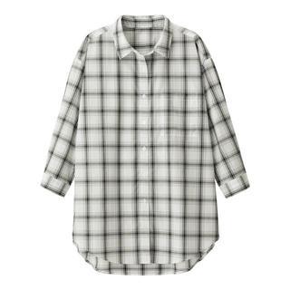 ジーユー(GU)の《新品》 GU チェックロングシャツ オフホワイト(Tシャツ(長袖/七分))