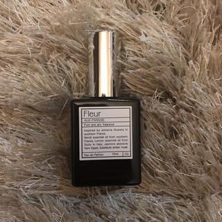 オゥパラディ(AUX PARADIS)のAUX PARADIS Fleur(香水(女性用))