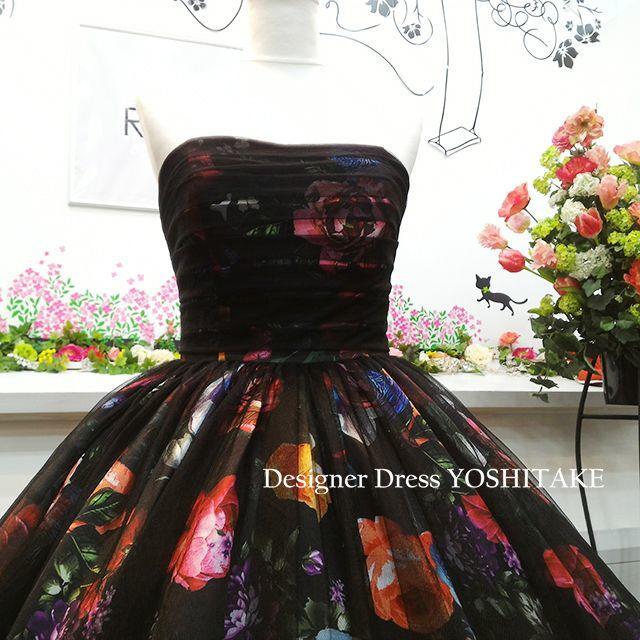 ウエディングドレス(パニエ無料) 黒チュール&花柄 二次会/披露宴/演奏会 レディースのフォーマル/ドレス(ウェディングドレス)の商品写真