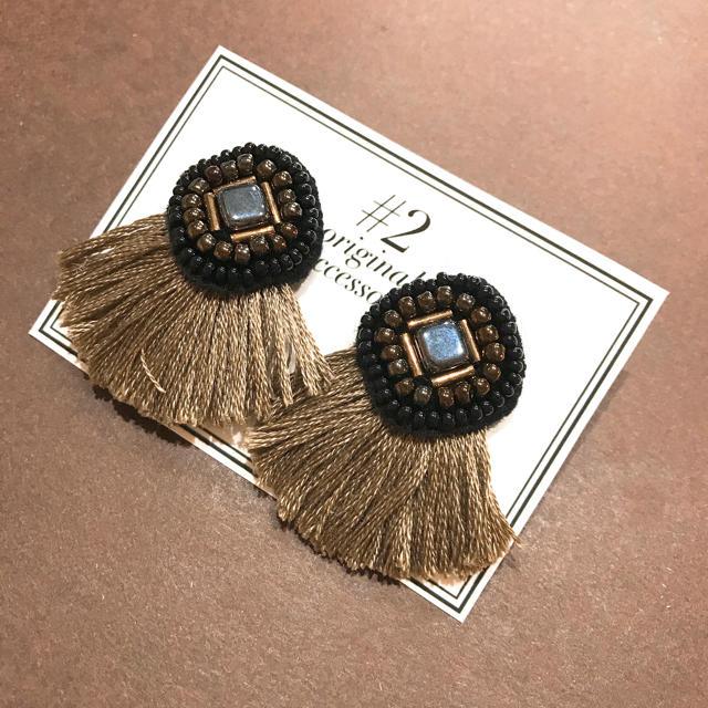 ブラックスクエア ビーズ刺繍ピアス ハンドメイドのアクセサリー(ピアス)の商品写真