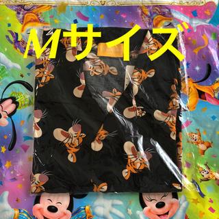 ディズニー(Disney)の新品タグ付☆ ティガー アロハシャツ M 総柄 ディズニーリゾート(シャツ/ブラウス(半袖/袖なし))