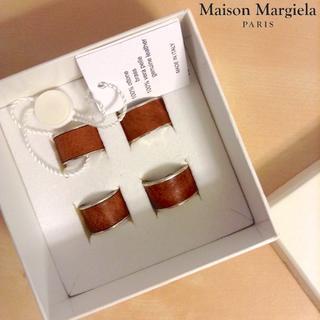 マルタンマルジェラ(Maison Martin Margiela)の新品■マルジェラ■四連リング■指輪■レザー■ブラス■3783(リング(指輪))