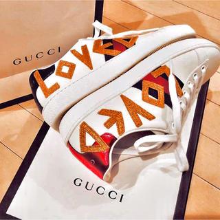 グッチ(Gucci)のGUCCI エンブロイダリー付き スニーカー(スニーカー)