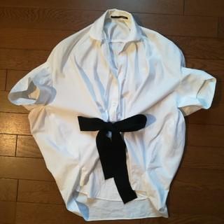 サカヨリ(sakayori)のsakayori リボンシャツ(シャツ/ブラウス(半袖/袖なし))