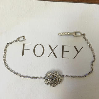 フォクシー(FOXEY)のフォクシー お花 細ブレス  美品(ブレスレット/バングル)
