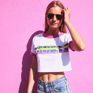 ゲス(GUESS)の値下げ!【新品】Gue$$ リンガーTEE ピンクXSサイズ GUESS (Tシャツ/カットソー(半袖/袖なし))