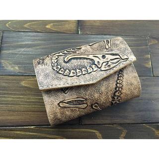 恐竜好き必見!化石カービングの極小ミニ財布Lサイズ(パラサウロロフス) (財布)