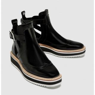 ザラ(ZARA)の新品☆ZARA ザラ サイドオープン ショートブーツ 靴 レディース(ブーツ)