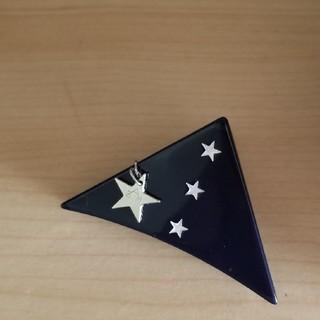 コンバース(CONVERSE)のsAn 三角クリップ(バレッタ/ヘアクリップ)