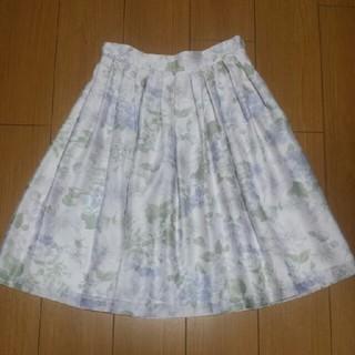 デビュードフィオレ(Debut de Fiore)のDebut de Fiore オーガンジーフラワースカート(ひざ丈スカート)