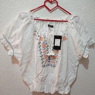 シマムラ(しまむら)の新品 しまむら 3L 刺繍 トップス♥(カットソー(半袖/袖なし))