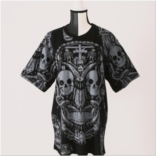 FUNKY FRUIT(ファンキーフルーツ)の[Drug]骸骨集合体顔総柄プリントトップス レディースのトップス(Tシャツ(半袖/袖なし))の商品写真