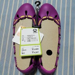 クロックス(crocs)の【新品】crocs パンプス 23cm springi flat w(ハイヒール/パンプス)