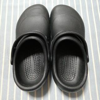 クロックス(crocs)の【新品】クロックス ビストロ 黒 23cm(サンダル)