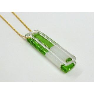ガラス・チョーカー新品 夏にぴったり◇グラスグリーンとホワイトのツートン色(ネックレス)