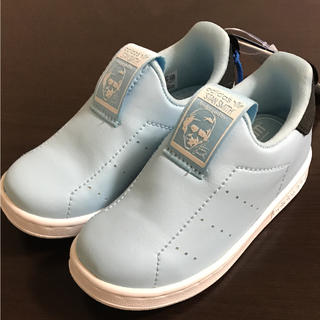 アディダス(adidas)の15㎝ adidas キッズ スニーカー スタンスミス ライトブルー スリッポン(スリッポン)