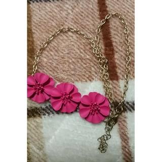 アクセサライズ(Accessorize)の新品未使用 夏らしい鮮やかなネックレス ピンク♡(ネックレス)