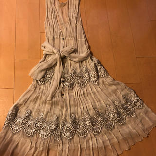 アンナモリナーリ(ANNA MOLINARI)のシルク100%のドレス(ひざ丈ワンピース)
