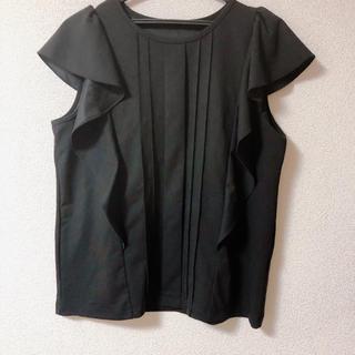 ジーユー(GU)のGU フリルで華やか🌸痩せ見え黒トップス(シャツ/ブラウス(半袖/袖なし))