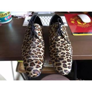 ザラ(ZARA)のZARA アニマル ヒョウ柄靴 (ドレス/ビジネス)