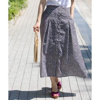 イエナ(IENA)の新品タグ付き イエナ レトロフラワースカート 38(ロングスカート)