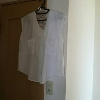 ジーユー(GU)の均一新品backside透けレースシフォンブラウス(シャツ/ブラウス(半袖/袖なし))