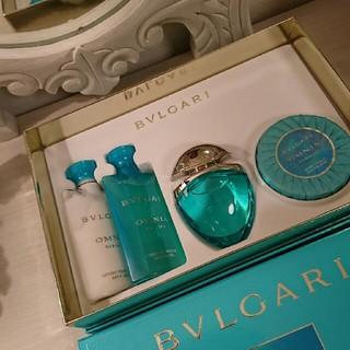 ブルガリ(BVLGARI)の【美品 】BVLGARI オムニアパライバビューティーキット(香水(女性用))