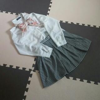しまむら - キティーちゃんスカーフつきブラウス☆スカート