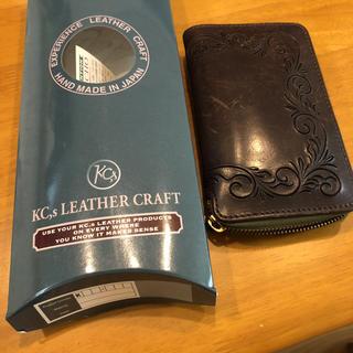 ケイシイズ(KC,s)のKC,s エレノアフリーカット・ラウンドジップ 二つ折財布(折り財布)