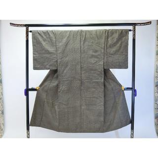 AA男物お仕立て上がり正絹大島紬 茶色地に細かい柄いき 着物(着物)