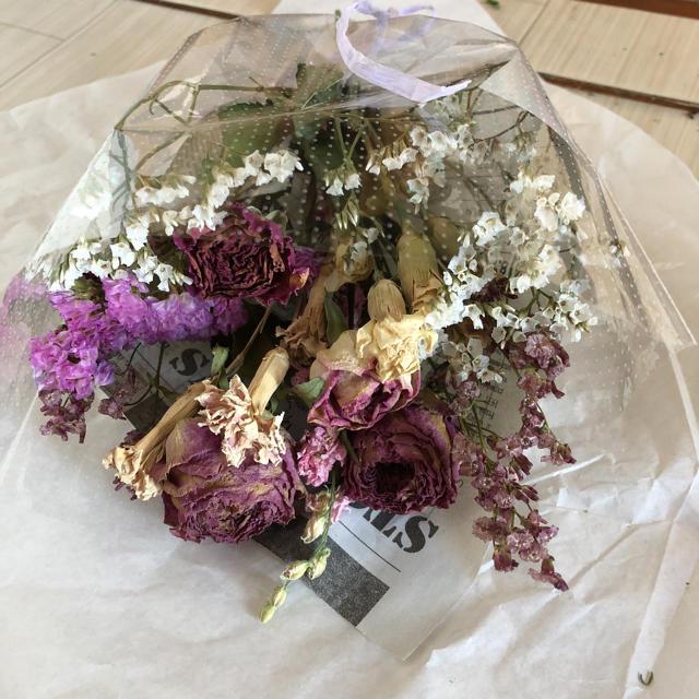 ドライフラワー 花束 スワッグ ハンドメイドのフラワー/ガーデン(ドライフラワー)の商品写真