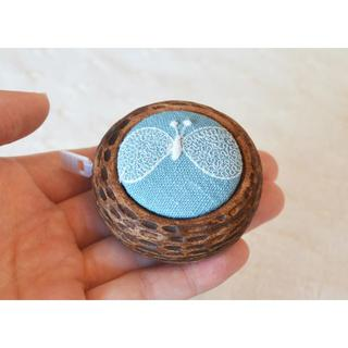 ミナペルホネン(mina perhonen)のハンドメイド ミナペルホネン はぎれで作ったブローチ 灯々舎さん好きにも(雑貨)
