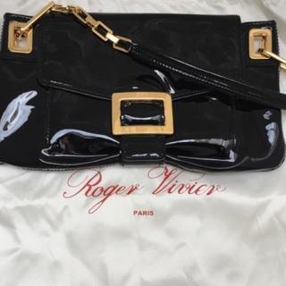 ロジェヴィヴィエ(ROGER VIVIER)の【Roger Vivier】 ロジェヴィヴィエ パテント バッグ 黒 ゴールド(ハンドバッグ)