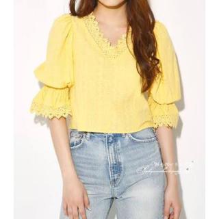 スライ(SLY)のSLY バックレースアップ刺繍ブラウス(Tシャツ(半袖/袖なし))