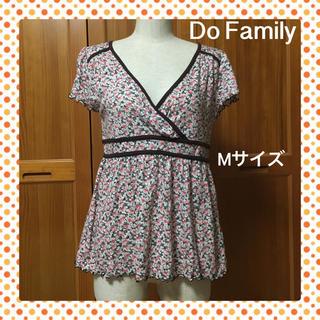 ドゥファミリー(DO!FAMILY)の☆Do!family 小花柄のカシュクール Tシャツ☆Mサイズ(^^)(カットソー(半袖/袖なし))
