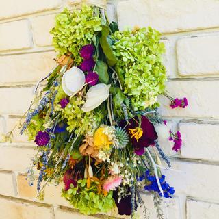 オレガノやハーブなど全17種類の花材のスワッグ(ドライフラワー)