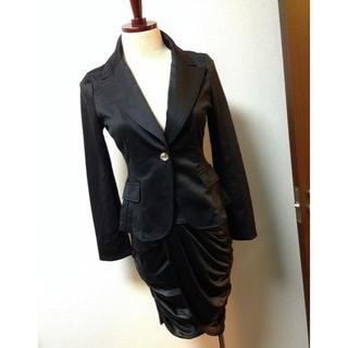 キスキス(XOXO)のキスキス ジャケット シャーリング タイトスカート スーツセット 黒(スーツ)