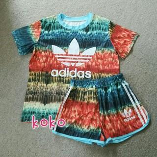 アディダス(adidas)のTシャツとショートパンツ セットアップ(セット/コーデ)