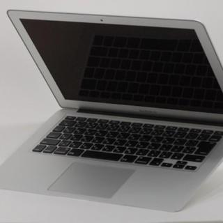 マック(Mac (Apple))の13.3インチMacBook Air Intel Core i5(オフィス/パソコンデスク)