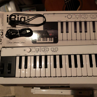 iRig KEYS  MIDIキーボード 37鍵盤(MIDIコントローラー)