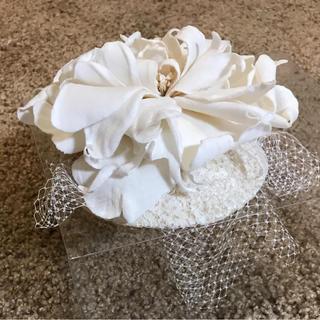 芍薬のお花を飾った可憐なヘッドドレス。(未使用です)
