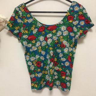 スライ(SLY)の花柄 Tシャツ(Tシャツ(半袖/袖なし))