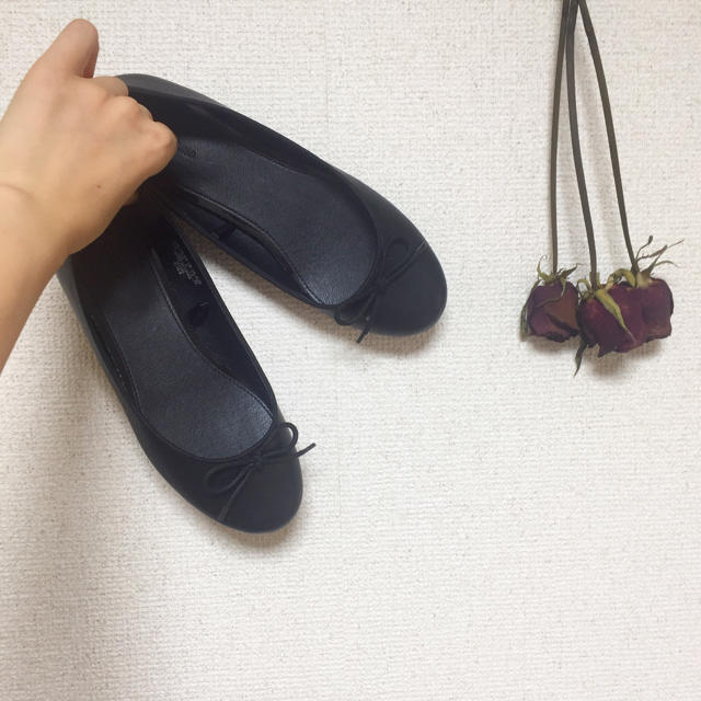 UNIQLO(ユニクロ)のUNIQLO ブラックパンプス 22.5cm レディースの靴/シューズ(バレエシューズ)の商品写真