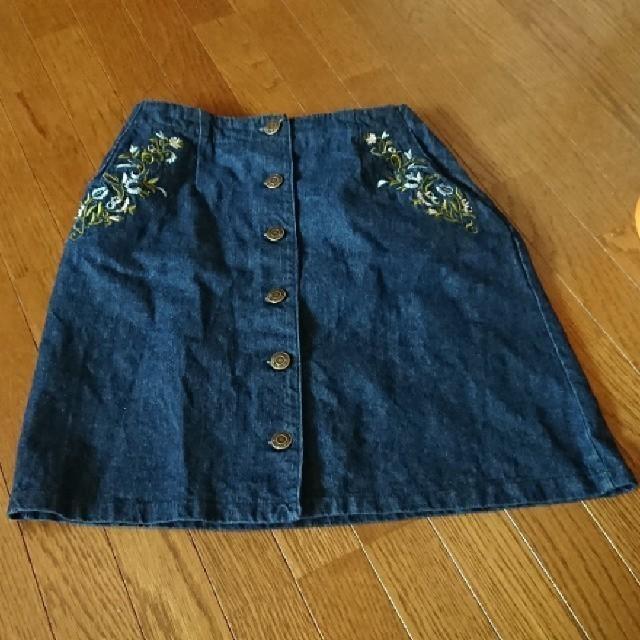 Avail(アベイル)のAvail 花柄 刺繍 デニムスカート レディースのスカート(ミニスカート)の商品写真