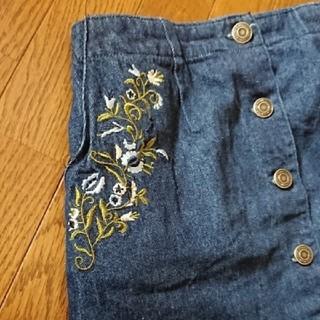 アベイル(Avail)のAvail 花柄 刺繍 デニムスカート(ミニスカート)