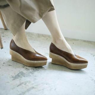 アメリヴィンテージ(Ameri VINTAGE)のAmeri vintage wood platform pumpsブラウン L(ローファー/革靴)