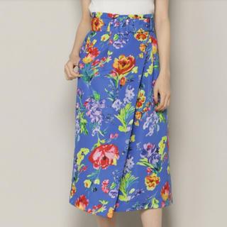 アンドクチュール(And Couture)のアンドクチュール 花柄 スカート(ひざ丈スカート)