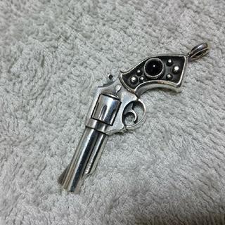 アージェントグリーム(Argent Gleam)のliquid シルバー925  ネックレストップ ピストル(ネックレス)