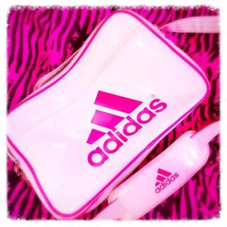 アディダス(adidas)のadidasのエナメル♔.*(リュック/バックパック)